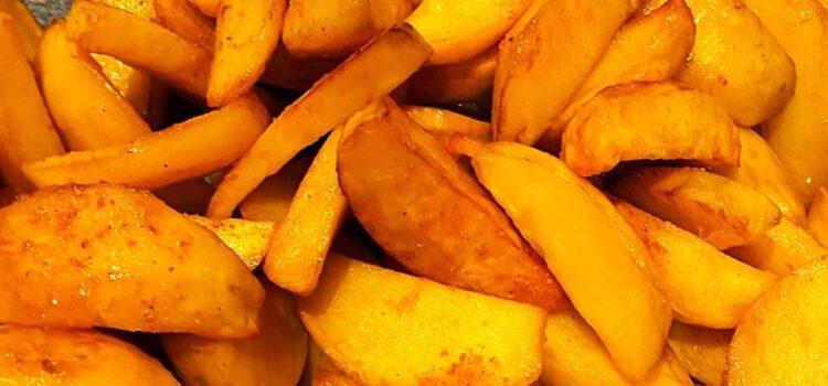 Kartoffelspalten knusprig und köstlich aus dem Ofen