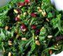Massierter Grünkohlsalat