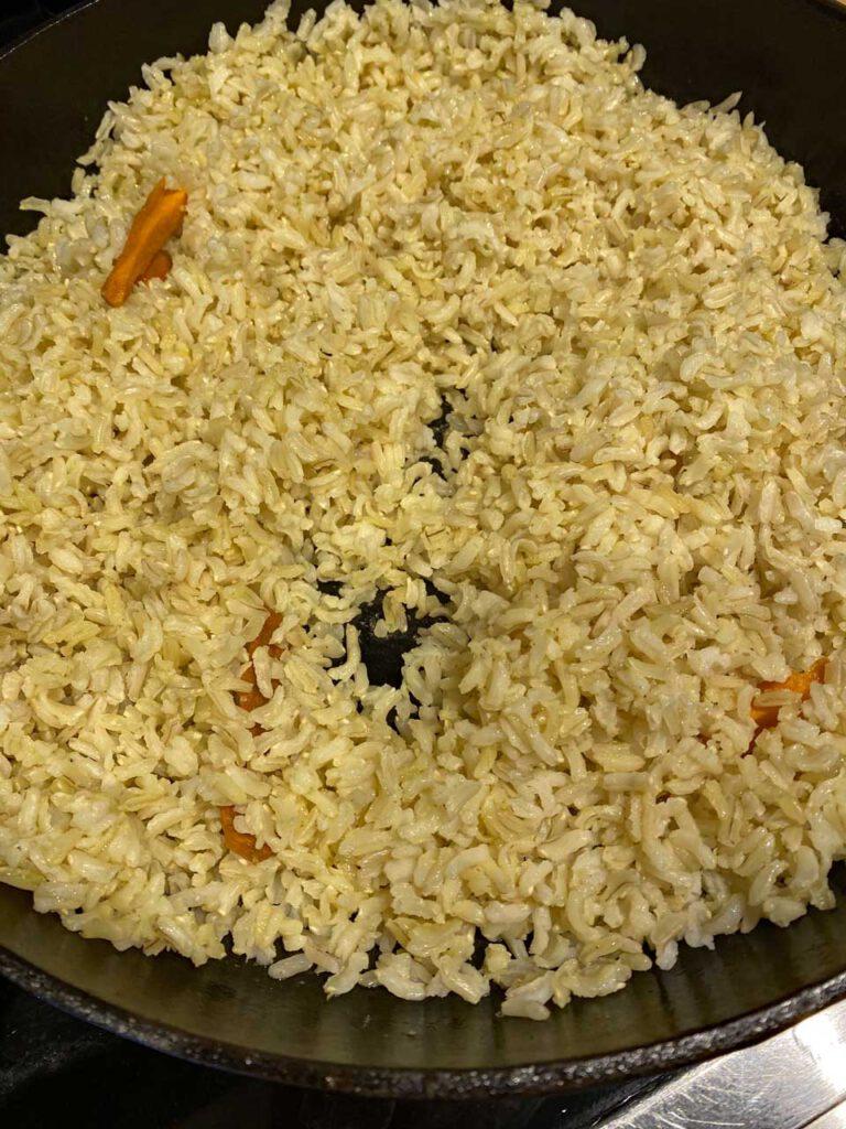 Reis gebraten mit Kurkuma