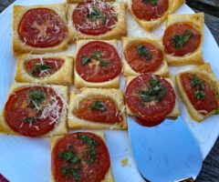 Tomaten Blätterteig Häppchen