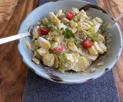 Kartoffelsalat frühlingshaft und sommerlich