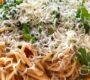 Spaghetti auf Rucola mit Tomaten