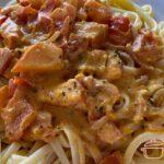 Nudeln mit Kürbis-Tomaten-Soße